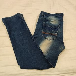 Straight leg blue washed jeans.